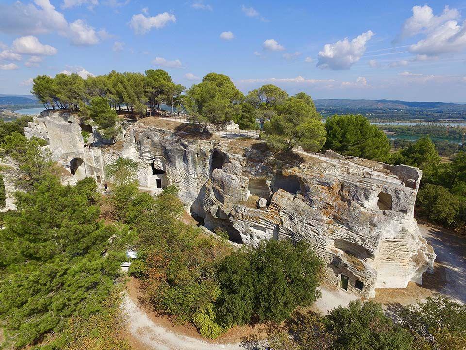 Visita a la abadía troglodita de Saint-Roman