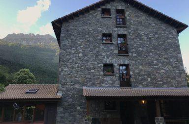 Hotel de montaña Usón