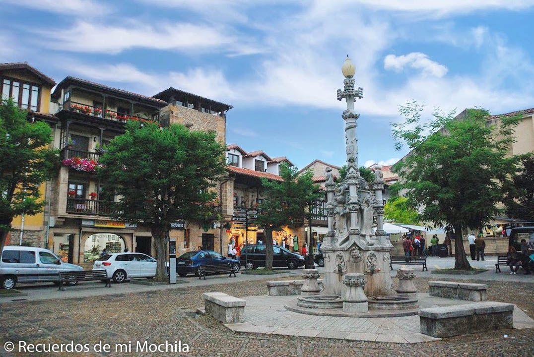 Plaza de los Tres Caños Comillas