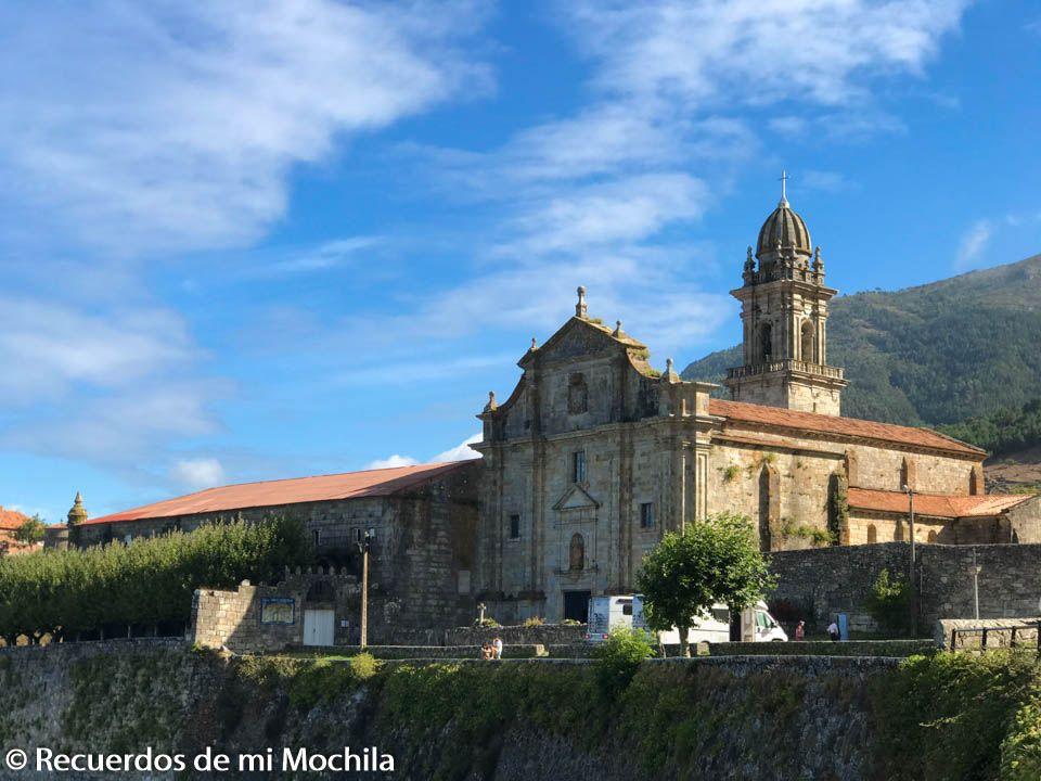 monasterio fortificado de Santa María
